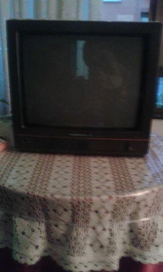 2 televisores sanyo