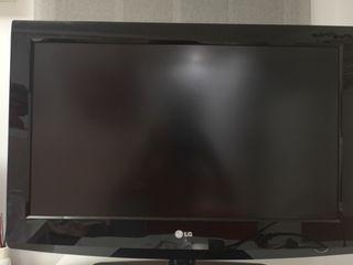 """Televisión LG 32"""" Full HD"""