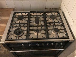 Cocina y horno con 6 fogones de SMEG