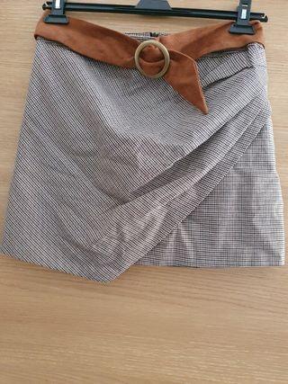 falda cuadros corta ajustada fórmula joven talla 4