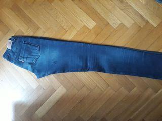 Pantalon Levis T.16