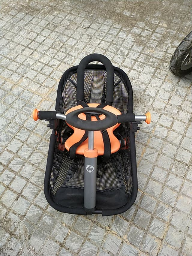 carro, carrito bebé marca Mutsy