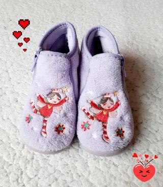 Zapatillas de casa Talle 25 Niña