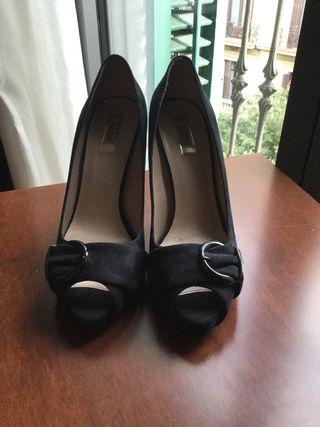 Zapatos tacón Zara negros