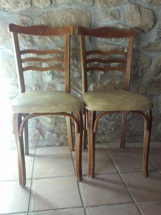 comedor con sillas mocholi años 70