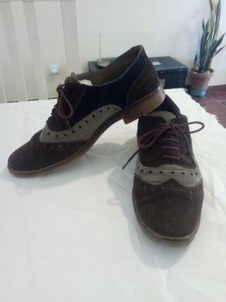 Zapatos de piel .Talla 41