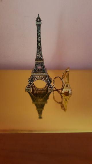 Torre Eiffel, Souvenir de París.