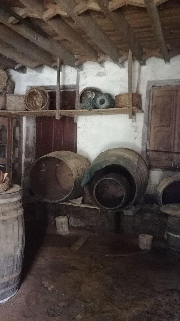 Barriles madera toneles cubas vino