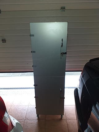 armario almacenaje metálico de aluminio