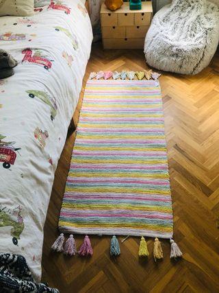 Alfombra dormitorio niña