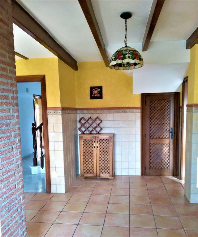 PRECIOSO CHALET INDEPENDIENTE CON PISCINA (Coín, Málaga)