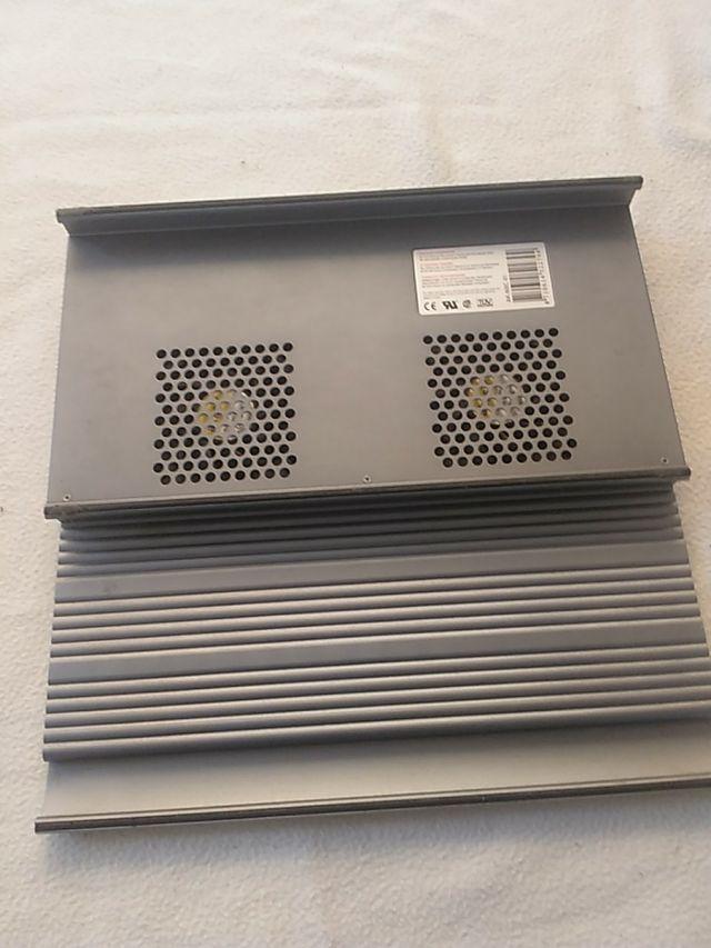 Soporte para PC portátil con ventilador