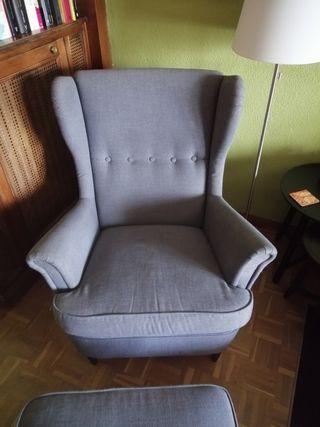 sillón orejero Ikea con reposapies