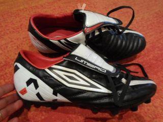 zapatillas botas futbol UMBRO talla 44.5