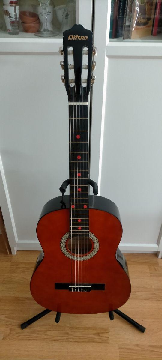 Guitarra española en perfectas condiciones