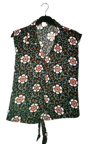 Blusa floreada