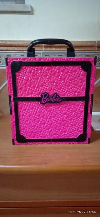 Armario Barbie.