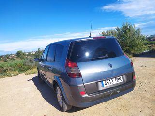 Renault Scenic 2005 acceite recien cambiao filtros y correa de distribucion tambien
