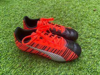zapatillas de tacos Puma talla 33