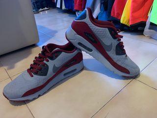 Nike Air Max 90 gris y granate