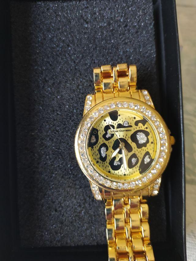 reloj color oro mujer