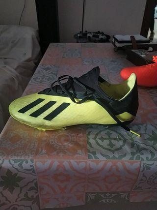 botas de fútbol césped natural i artificial