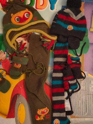 2 Conjuntos de gorro, bufanda y manoplas. TALLA 2