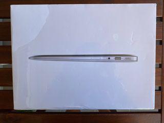 MacBook Air 13' PRECINTADO