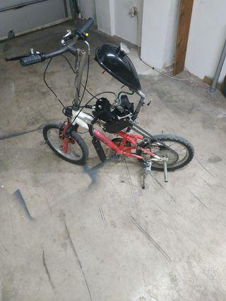 bicicleta 20'' con motor de gasolina