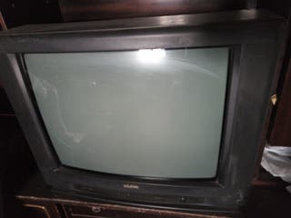 "TV 28"" SANYO"
