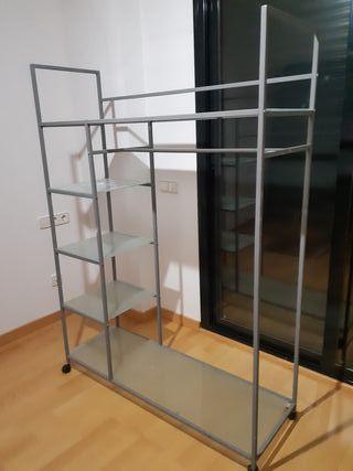 armario con ruedas metálico y cristal