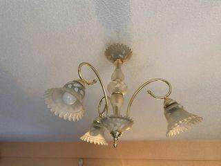 Lámpara de cristal y metal dorado