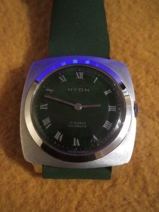 reloj de cuerda nyon vintange.