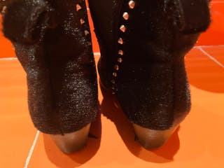 Botín negro tacón