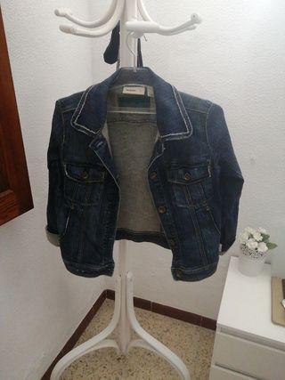chaqueta vaquera mango jeans