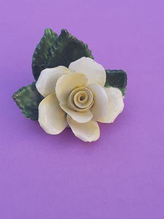 Antigua rosa de porcelana. RADNOR.