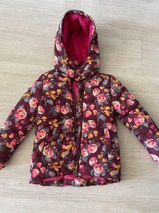 Plumas o abrigo de niña de 4 a 5 años