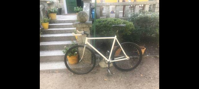 Bicicleta fixie fixed gear piñon fijo cuadro 61
