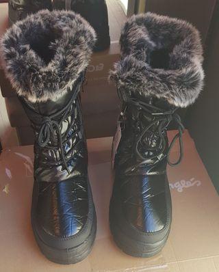 Botas de nieve con pelo impermeables.Tipo UGG