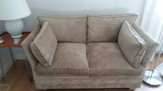 Sofá 135 cm recién tapizado