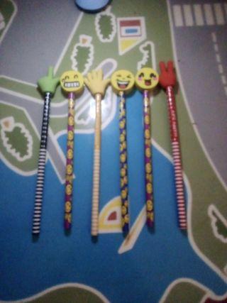 lápices con goma de emoji son 6 lapices