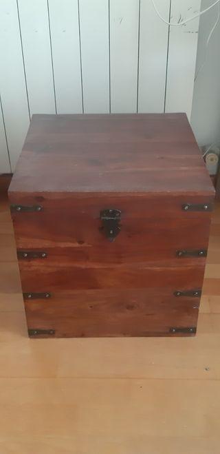 Cofre de madera 40 x 40 x 40 cm