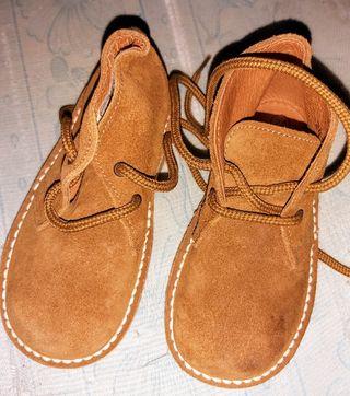 botitas de piel marrones unixes marca arancha
