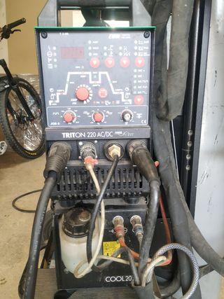 Máquina TIG praxair triton