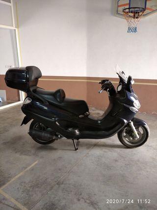 Scooter Piaggio X9 de 250cc