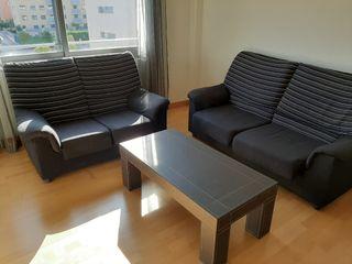 vendo 2 sofás en buen estado de conservación
