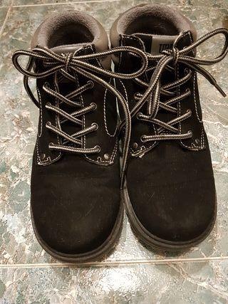 Botas de niño negras, talla 33