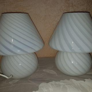 A Pair Of Rare White Swirl Murano 1960s mushroom