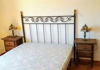 Cabecero cama de forja y dos mesitas de noche