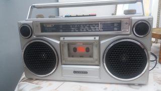 radio cassette sanyo retro vintage